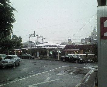 雪の武庫之荘駅.jpg