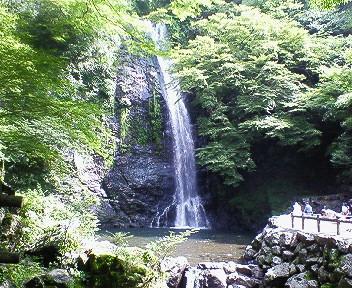 箕面の滝 全景.jpg